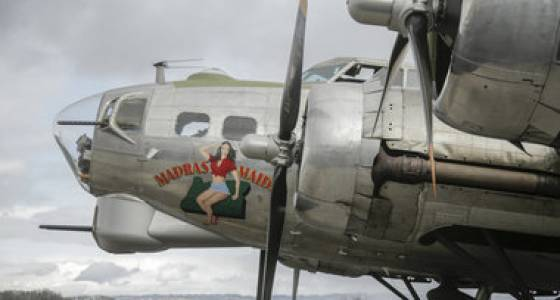 B-17 Flying Fortress ready for public to take rides (photos/video)