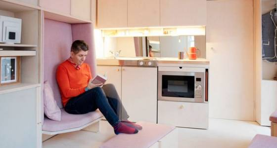 Cab office turned into 139 sq. ft. micro-apartment with convertible furniture (Video)