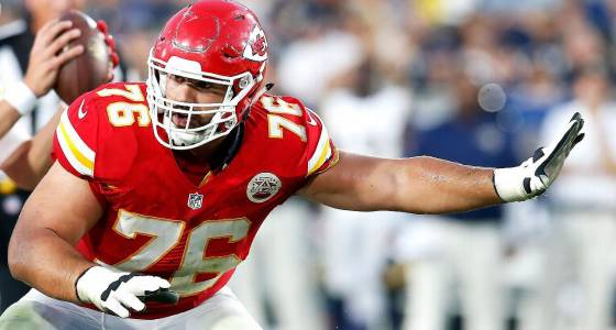 Chiefs suddenly spending to keep offensive linemen