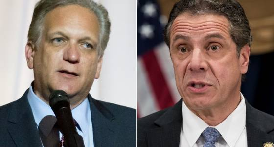 Cuomo appears with indicted county executive