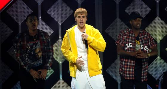 Did Justin Bieber Pee His Pants? Suspicious Stain Spotted On Singer's $690 Trousers [PHOTOS]