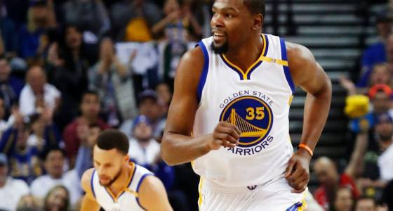 Durant practices, won't play if not '100 percent'