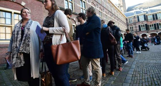 Dutch voters go to the polls; early indications show poor performance for anti-Islam politician