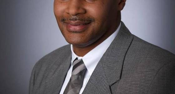 Former executive alleges racial discrimination at Lowe's