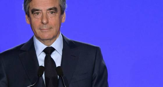 French presidential candidate Fillon stays in race despite scandal   Toronto Star