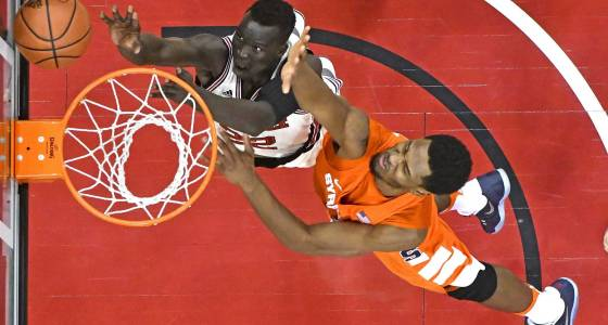 No. 7 Louisville rebounds with win over Syracuse