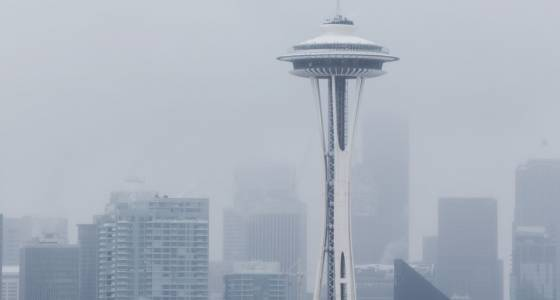 Seattle wakes up to snow