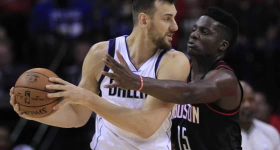 Spurs remain longshot to land center Andrew Bogut