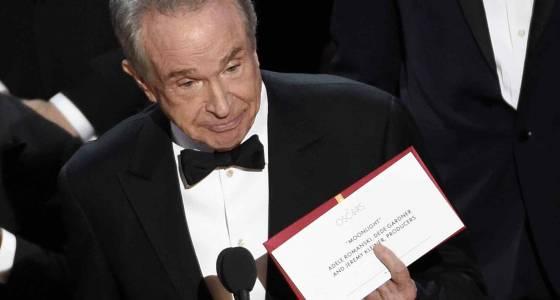 Warren Beatty calls on Academy president to 'publicly clarify' Oscars mixup