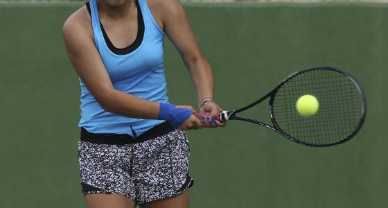 Unicorns junior stays alive for state tennis gold