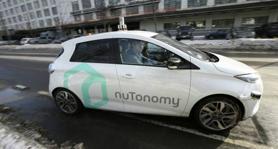 When driverless cars hit market, blame for accidents may shift to industry