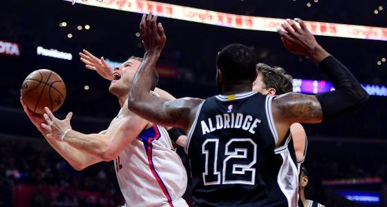 Whole again, Spurs finally overcome Clippers