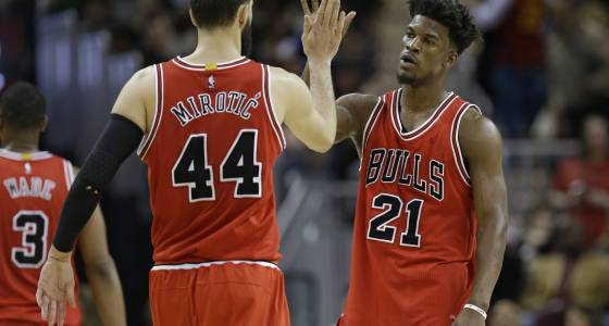 With LeBron out sick, Bulls take advantage to top Cavs