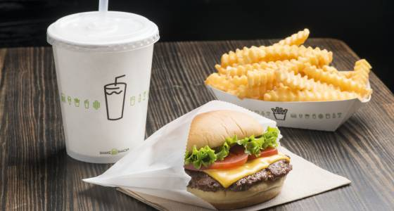With the opening of Shake Shack in LAX's Terminal 3, fliers will get a little bit of heaven on a bun