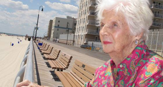 Woman who began life in Coney Island sideshow dies