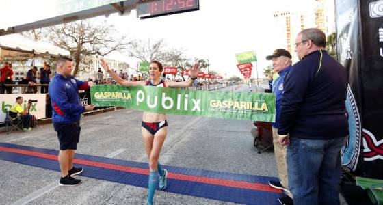 Women's half-marathon champ Stephanie Bruce reps for moms and pro runners